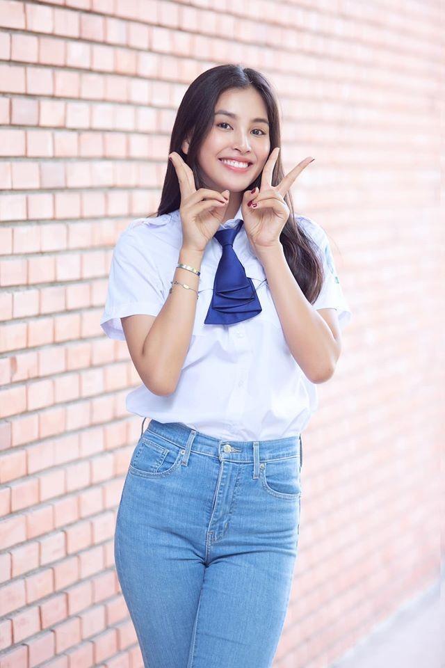 Hoa hậu Tiểu Vy đón tuổi 20 với bộ ảnh xinh đẹp, gợi cảm - ảnh 3