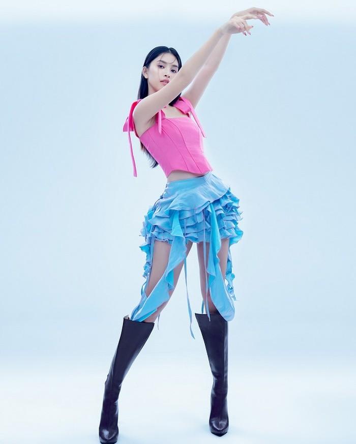 Hoa hậu Tiểu Vy đón tuổi 20 với bộ ảnh xinh đẹp, gợi cảm - ảnh 26