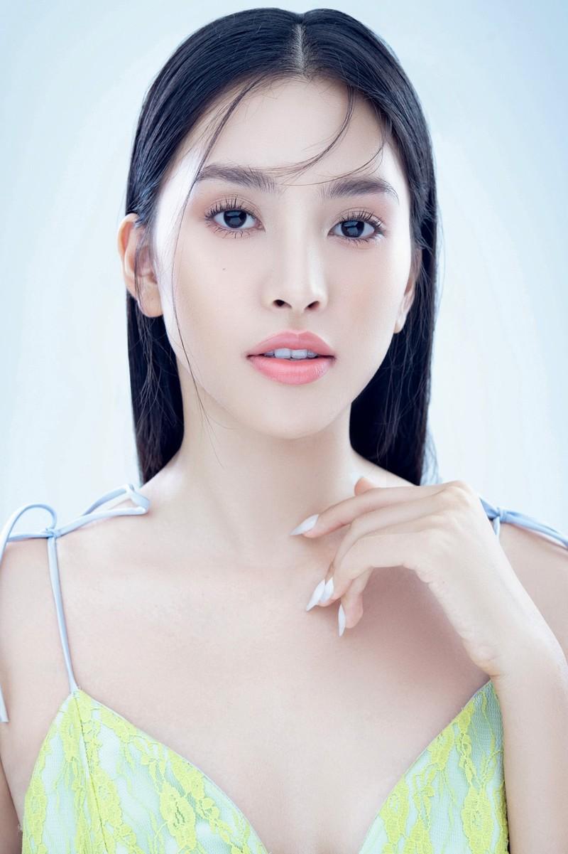 Hoa hậu Tiểu Vy đón tuổi 20 với bộ ảnh xinh đẹp, gợi cảm - ảnh 18