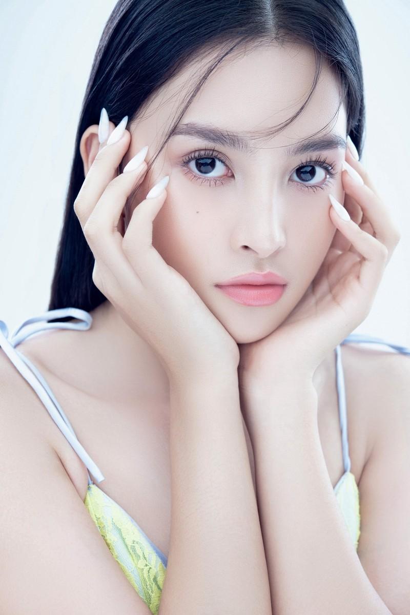 Hoa hậu Tiểu Vy đón tuổi 20 với bộ ảnh xinh đẹp, gợi cảm - ảnh 17
