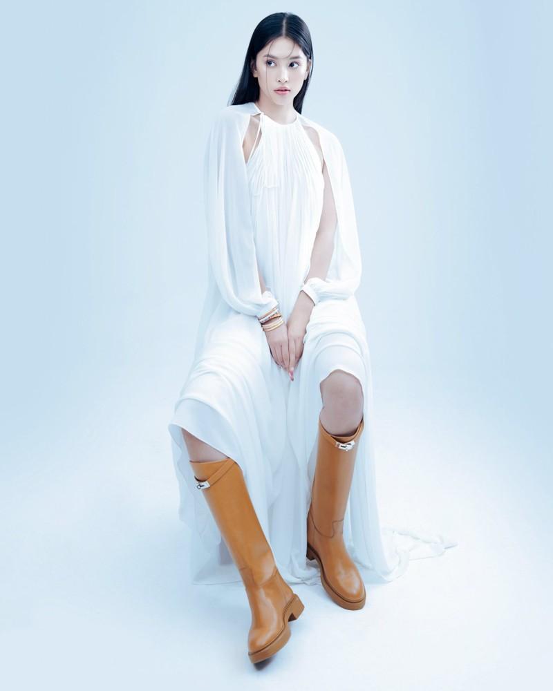 Hoa hậu Tiểu Vy đón tuổi 20 với bộ ảnh xinh đẹp, gợi cảm - ảnh 16