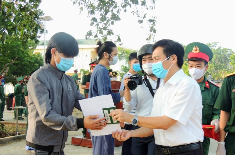 232 công dân từ Malaysia về Ninh Thuận hoàn thành cách ly - ảnh 2