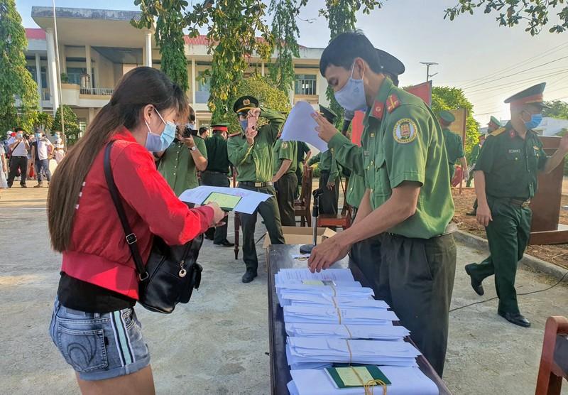 232 công dân từ Malaysia về Ninh Thuận hoàn thành cách ly - ảnh 4