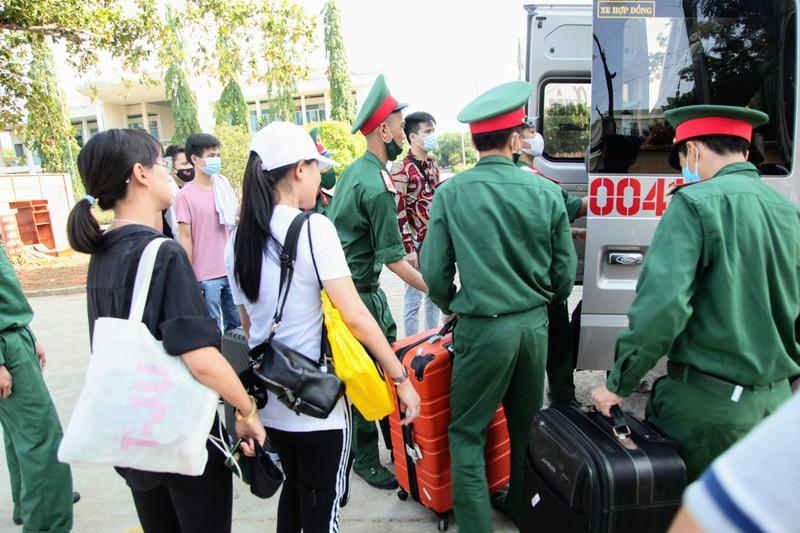 232 công dân từ Malaysia về Ninh Thuận hoàn thành cách ly - ảnh 6