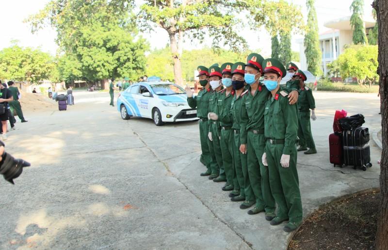 232 công dân từ Malaysia về Ninh Thuận hoàn thành cách ly - ảnh 3