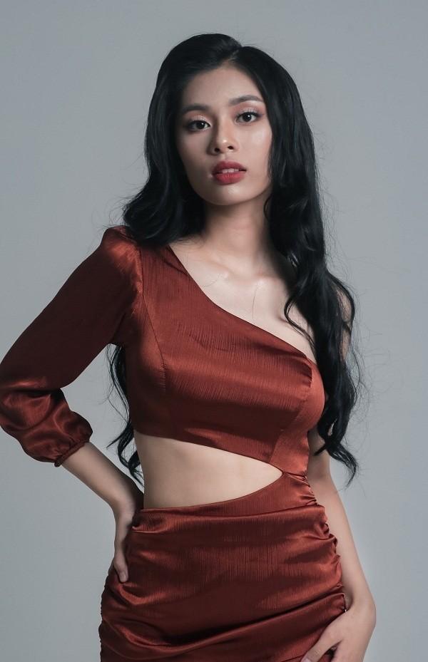Ngắm Quỳnh Trang - nữ sinh chuyên Toán thi Hoa hậu Việt Nam  - ảnh 10