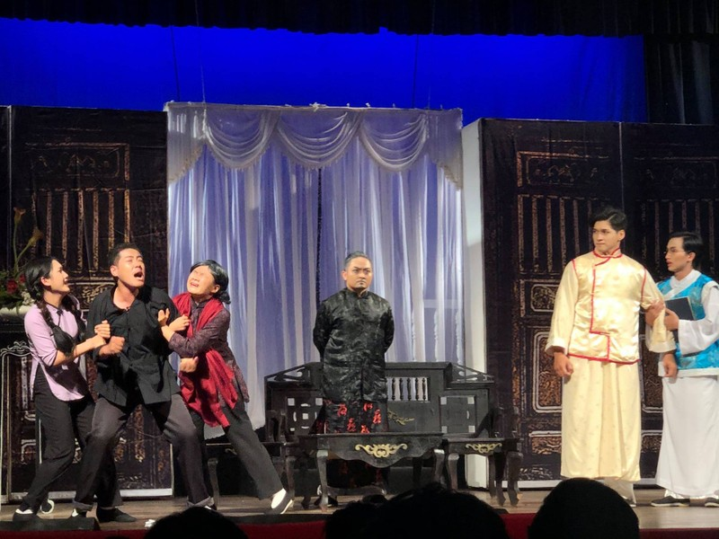 Giông Tố và nước mắt ở sân khấu kịch Hồng Vân - ảnh 1