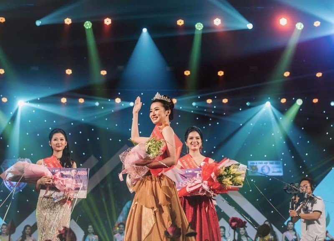 Ngắm nữ sinh Huế được đặc cách vào chung khảo Hoa hậu Việt Nam - ảnh 4