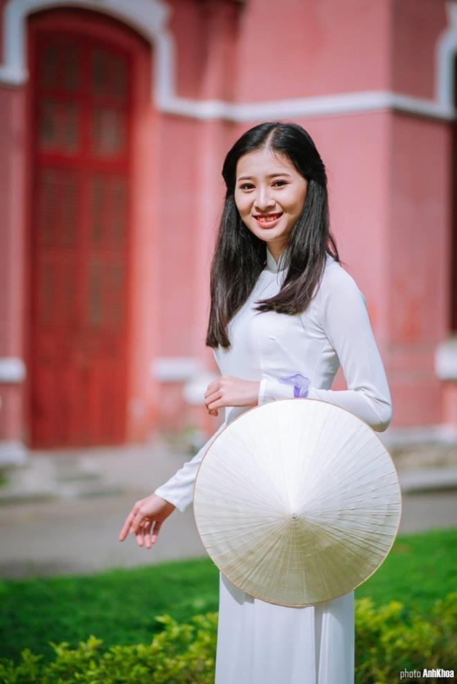 Ngắm nữ sinh Huế được đặc cách vào chung khảo Hoa hậu Việt Nam - ảnh 1