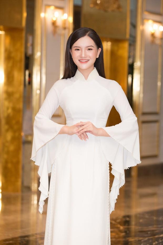 Ngắm những người đẹp có tuổi nhỏ nhất Hoa hậu Việt Nam 2020 - ảnh 17