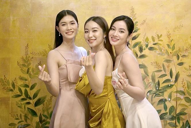 Ngắm những người đẹp có tuổi nhỏ nhất Hoa hậu Việt Nam 2020 - ảnh 21