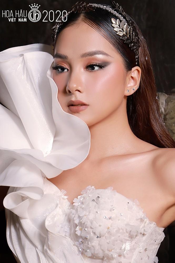 Ngắm Bích Thùy cô gái đất võ vào bán kết Hoa hậu Việt Nam 2020 - ảnh 9