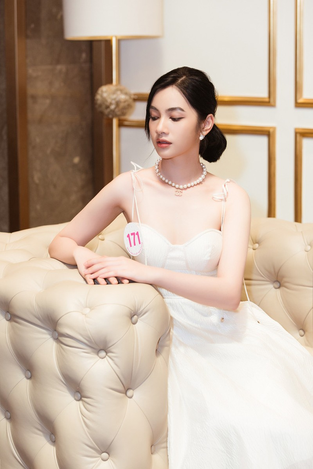 Ngắm những người đẹp có tuổi nhỏ nhất Hoa hậu Việt Nam 2020 - ảnh 12
