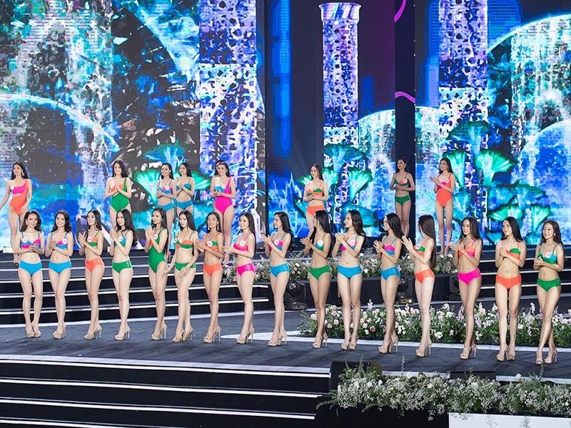 Thí sinh khoe bikini gợi cảm ở Bán kết Hoa hậu Việt Nam 2020 - ảnh 11