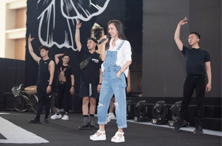 Sao Việt đổ bộ ở Bán kết Hoa hậu Việt Nam 2020 - ảnh 19