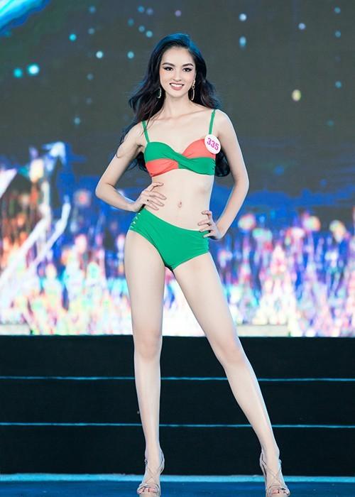 Thí sinh khoe bikini gợi cảm ở Bán kết Hoa hậu Việt Nam 2020 - ảnh 4