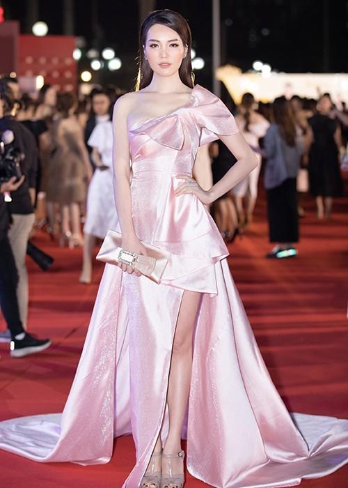 Sao Việt đổ bộ ở Bán kết Hoa hậu Việt Nam 2020 - ảnh 17