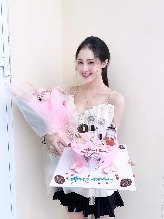 Trân Châu - thí sinh có vòng eo nhỏ nhất Hoa hậu Việt Nam 2020 - ảnh 10