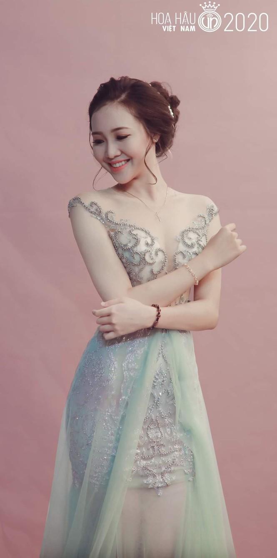 Trân Châu - thí sinh có vòng eo nhỏ nhất Hoa hậu Việt Nam 2020 - ảnh 11