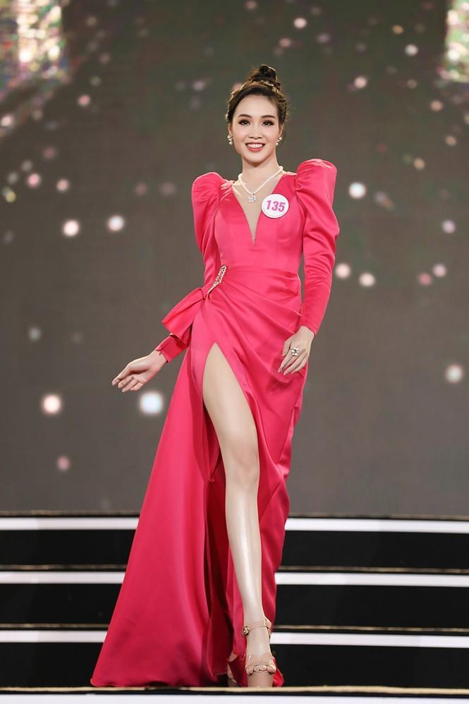 Trân Châu - thí sinh có vòng eo nhỏ nhất Hoa hậu Việt Nam 2020 - ảnh 5