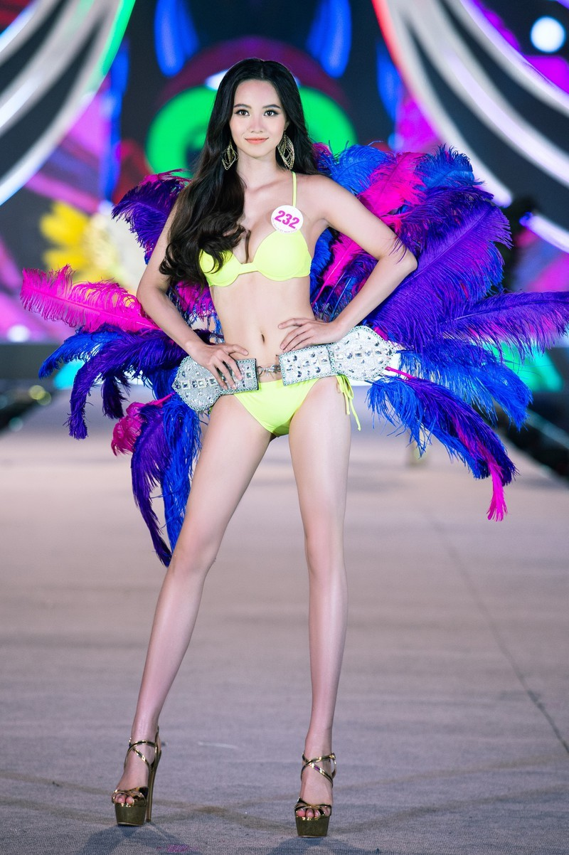 Ngắm người đẹp có vòng 3 khủng vào chung kết Hoa hậu Việt Nam - ảnh 14