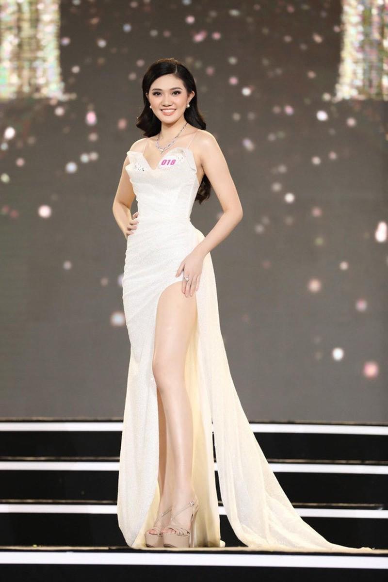Ngắm Hồng Đào nữ sinh Hoa Sen vào chung kết Hoa hậu Việt Nam - ảnh 7