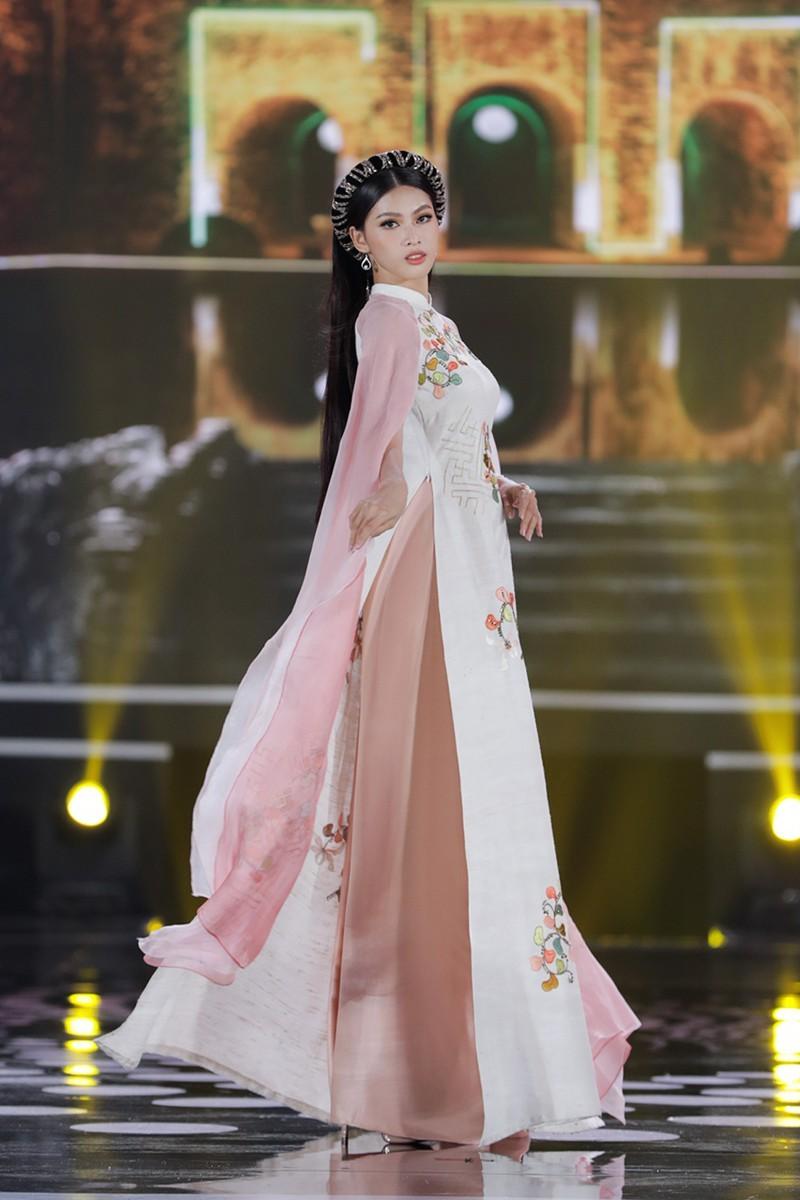 5 Hoa hậu trình diễn áo dài trong đêm chung kết HHVN 2020 - ảnh 7