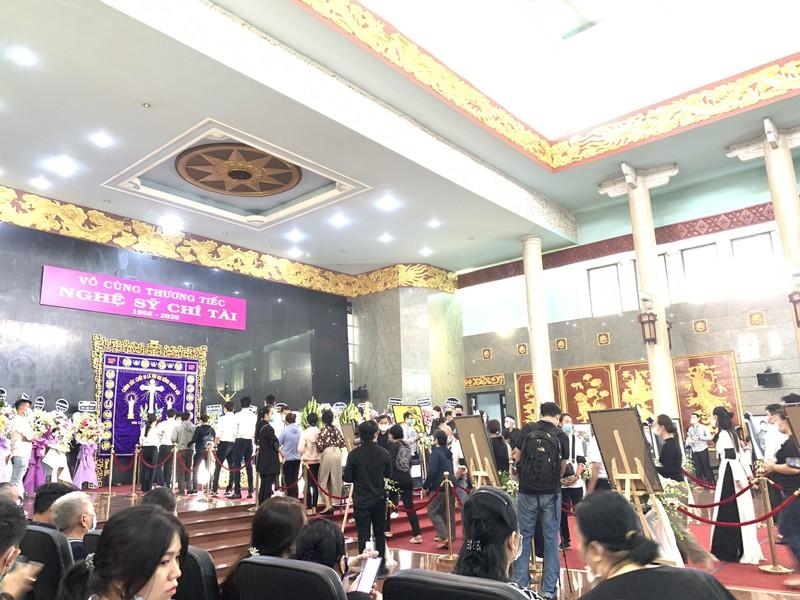 'Nhỏ ơi' và Thánh ca trong lễ tang của nghệ sĩ Chí Tài - ảnh 2