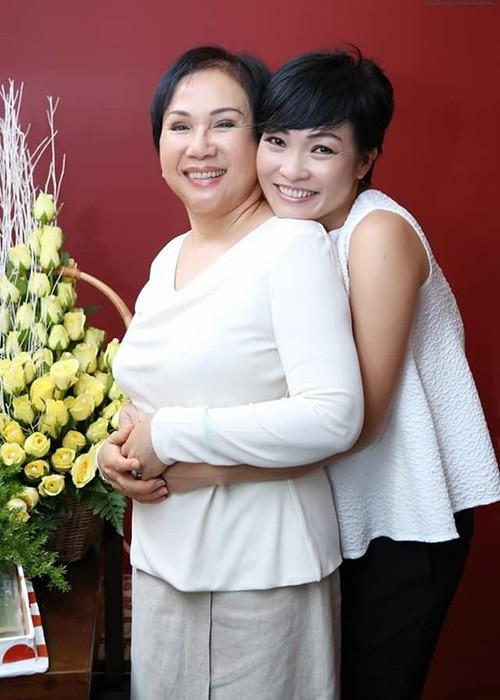 Hoài Linh và sao Việt tiếc thương danh ca Lệ Thu - ảnh 3