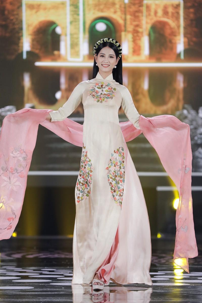 5 Hoa hậu trình diễn áo dài trong đêm chung kết HHVN 2020 - ảnh 10