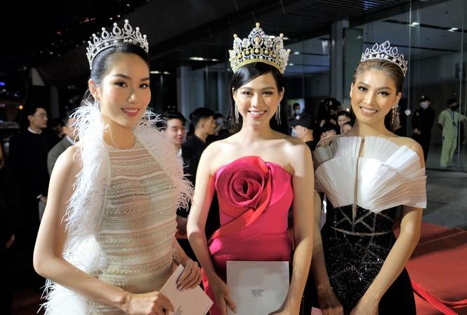 Thủy Tiên được vinh danh, dàn hoa hậu đọ sắc tại WeChoice 2020 - ảnh 8