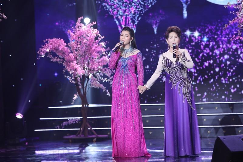 Ca sĩ Bích Ly hát 'Khúc Thụy Du' cùng danh ca Bảo Yến - ảnh 3