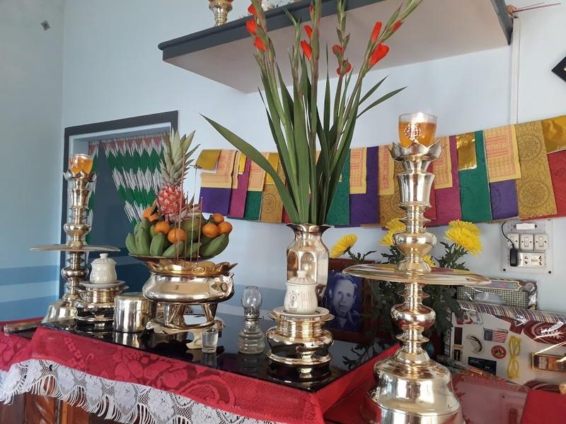 Lau dọn bàn thờ đón tết Tân Sửu 2021 - ảnh 9