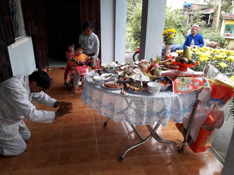 Lau dọn bàn thờ đón tết Tân Sửu 2021 - ảnh 11