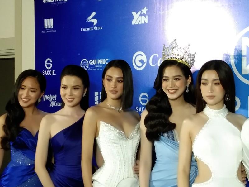 Mr Đàm lạc giữa dàn người đẹp ở Miss World Vietnam 2021 - ảnh 8