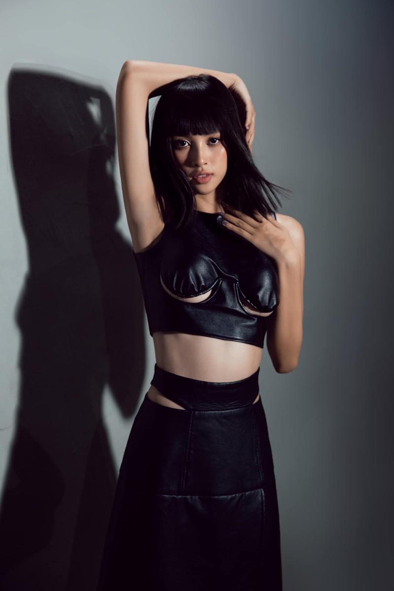 Hoa hậu Tiểu Vy khoe dáng quyến rũ với váy đen - ảnh 8