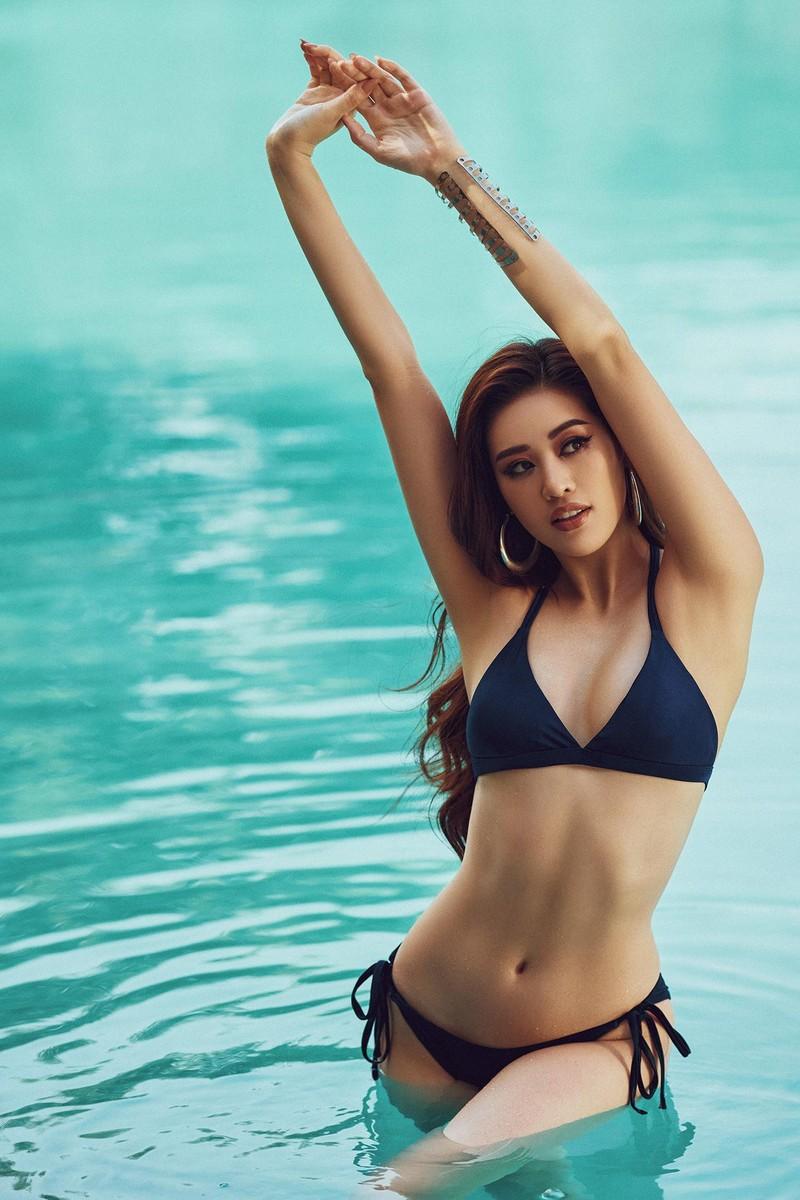 Khánh Vân tung bộ ảnh bikini gợi cảm trước thềm Miss Universe - ảnh 1