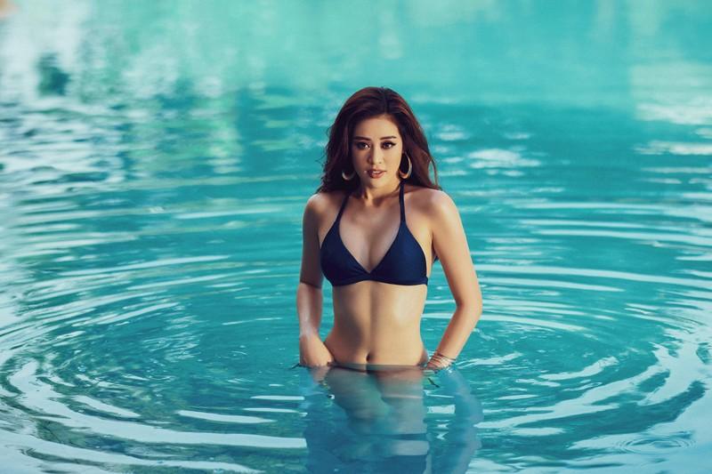 Khánh Vân tung bộ ảnh bikini gợi cảm trước thềm Miss Universe - ảnh 3