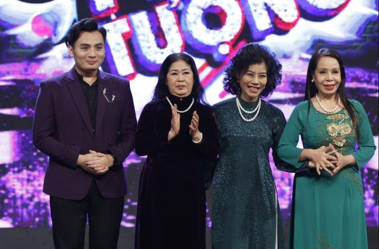 Trấn Thành giả giọng Khánh Ly hát cùng 1 thí sinh đặc biệt - ảnh 1