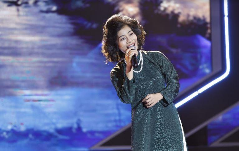 Trấn Thành giả giọng Khánh Ly hát cùng 1 thí sinh đặc biệt - ảnh 4