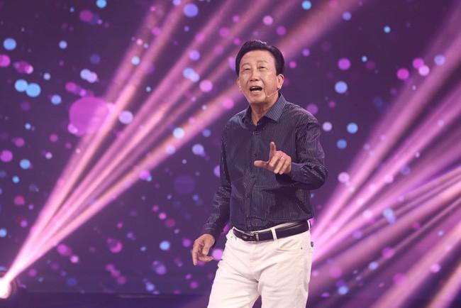 NSƯT Thế Hiển tái ngộ 'Hoàng tử Mưa bụi' Đình Văn sau 40 năm - ảnh 1