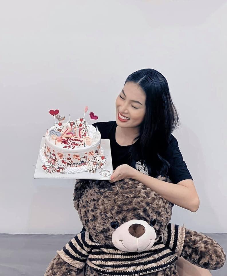 Á hậu Ngọc Thảo đón sinh nhật ý nghĩa bằng việc thiện nguyện - ảnh 2