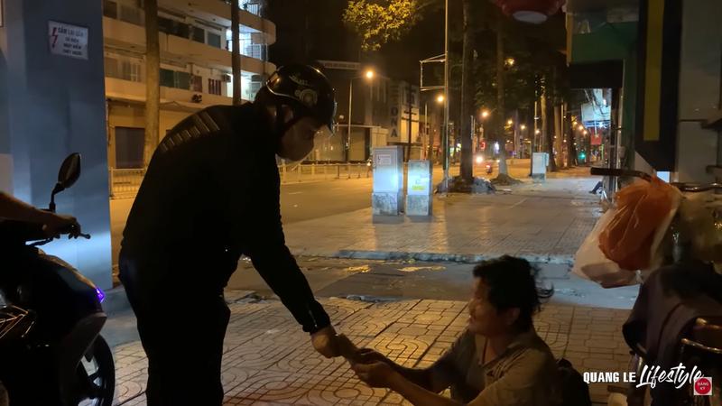 Hoa hậu Khánh Vân cùng nghệ sĩ hỗ trợ người dân, y bác sĩ chống dịch - ảnh 4