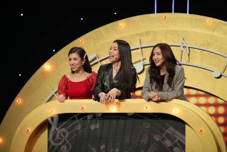 Kha Ly cùng đồng đội 'dập nát hoa hồng' đội hoa hậu Hà Thu tại Đại chiến âm nhạc - ảnh 2