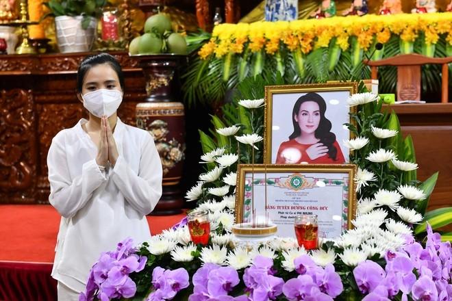 Thái Châu bật khóc 'Để anh chín dại mười khờ thương em'... Phi Nhung  - ảnh 4