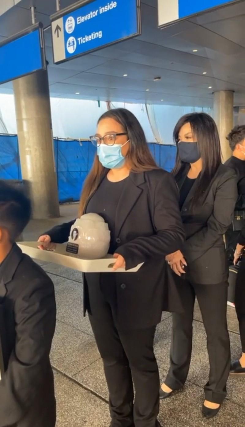 Nghệ sĩ Việt Hương: 'Mạnh mẽ để lo cho Phi Nhung trọn vẹn' - ảnh 4