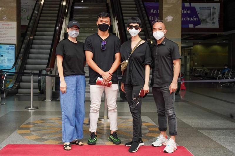 Thủ môn Bùi Tiến Dũng hiến máu nhân đạo tại bệnh viện ĐH Y Dược - ảnh 1