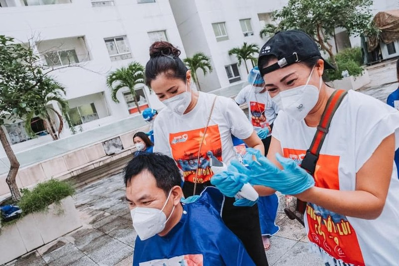 Thủ môn Bùi Tiến Dũng hiến máu nhân đạo tại bệnh viện ĐH Y Dược - ảnh 4