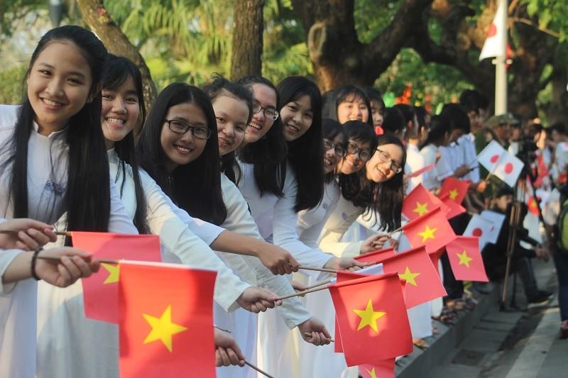 Nhật hoàng cảm kích trước sự chào đón của người dân Huế - ảnh 2