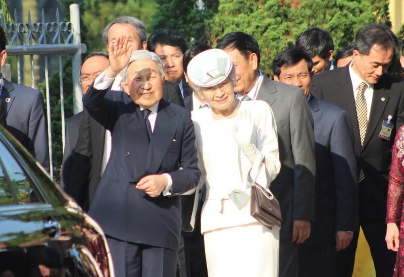 Nhật hoàng cảm kích trước sự chào đón của người dân Huế - ảnh 5